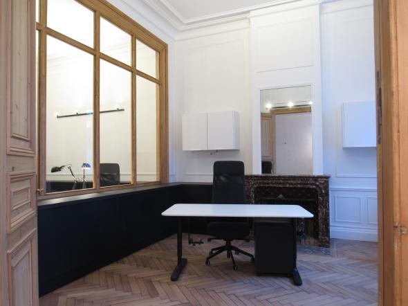 Transformation dune maison de maître en bureaux